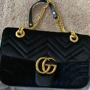 GUCCI MARMONT VELVET BAG.
